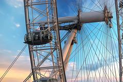London Eye (Norbert Reimer) Tags: sun londoneye riesenrad building london himmel sonne norbertreimer sonyalpha sky sony stadt city wolken clouds england vereinigteskönigreich gb