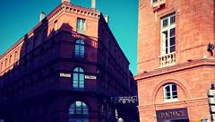 Place du Capitole début rue du taur à Toulouse (cedric lacrambe) Tags: placeducapitole ruedutaur toulous toulouse