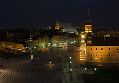 Warsaw Old Town (MACIEJ WOJCIECHOWSKI) Tags: warsaw warszawa night blue bluehour hour view above tower castle castillo royal city town capital old oldtown travel nikon sigma architecture plaza square colours colourful colorful people shadows outside outdoors outdoor photography golden gold classic urban longexposure long evening cityscape walking sightseeing exposure history