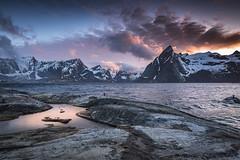 When the sky lights up (Sizun Eye) Tags: hamnoy lofoten archipelago nordland norway norvège mountains sea fjord reinefjord clouds landscape beautiful sunset uga nikkor nikon nikkor1424mmf28 1424mm reine paysage nikond750 d750 y
