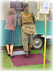Choose a Jubilee Caravan for your first Home ! (John(cardwellpix)) Tags: saturday 13th may 2017 jubillee caravan tommie atkins mary take look 40s brooklands surrey uk