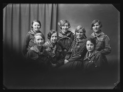 PEM-CHA-GP00722 Gruppebilde av jentespeidere