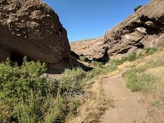 Vasquez rocks (.anderson) Tags: pacificcresttrail omehiker 2017 hike backpacking vasquezrocks
