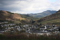 Bestwig (_dankhn) Tags: sauerland hochsauerland bestwig valley ruhrtal tal hochsauerlandkreis mittelgebirge clouds aussicht