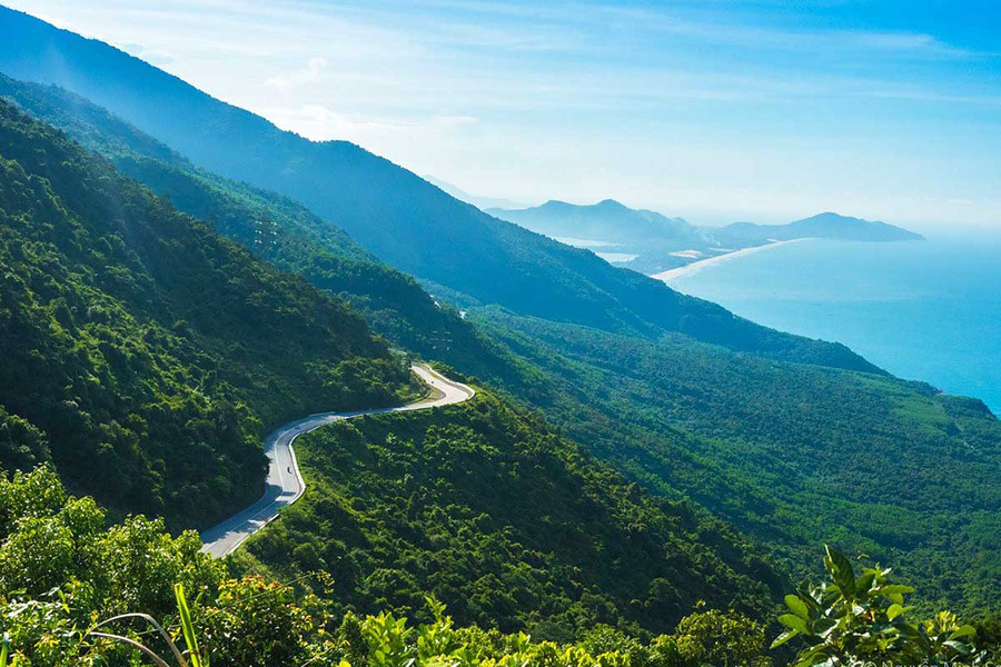 The stunning view of a stretch of the Hai Van Pass road in Vietnam