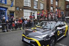 Tour De Yorkshire Stage 2 (739) (rs1979) Tags: tourdeyorkshire yorkshire cyclerace cycling teamcar teamcars tourdeyorkshire2017 tourdeyorkshire2017stage2 stage2 knaresborough harrogate nidderdale niddgorge northyorkshire highstreet
