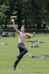 Central Park 5-12-17 (lardfr1) Tags: centralpark sheepmeadow frisbee action