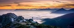 Mar de Nubes en la Sierra de Guadarrama (Javier Martínez Morán) Tags: sunset atardecer guadarrama parque nacional pn sierr sierra madrid mar nubes clouds cloud orange naranja blue azul silhueta landscape paisaje