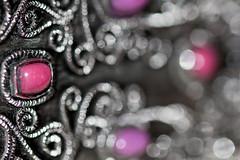 Pink- (Charo R.) Tags: pink bokeh blanco negro macrofotografía canon
