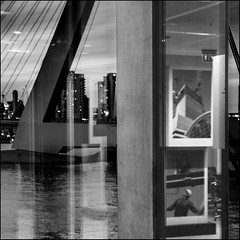 Rotterdam, the Netherlands (désirée van der straten) Tags: buildingtherotterdam rotterdam thenetherlands pentax k5 remkoolhaas architecture blackwhite erasmusbridge reflection wilhelminapier