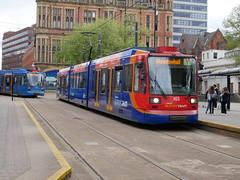 Sheffield Supertram 103 (Boothby97) Tags: sheffieldsupertram tram siemensduewag 750vdc 750vdcelectric sheffield stagecoach yorkshire cathedral supertram103 yellowline