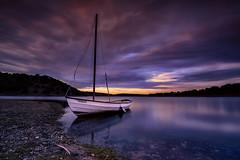 NAVEGADA (Fernando Guerra Velasco) Tags: sail boat sunset barco atardecer embalse largaexposición