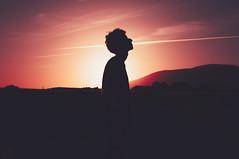Para siempre pérdido (Mishifuelgato) Tags: nikon d90 atardecer sunset ivan 50mm 18 contrast silueta alicante tristeza soledad perdido siempre para lost forever silhouette sadness loneliness lights luces colores colors mirada gaze photography fotografia