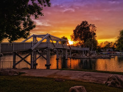 Woodbridge (/\ltus) Tags: woodbridge irvine orangecounty california socal southerncalifornia sunset sony dschx80 bridge