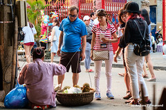 Street Life in Hoi-An, Vietnam (Andrew Parmanand) Tags: vietnam asia asian seasia hoian street