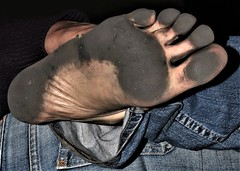 feet 081 (dirtyfeet6811) Tags: feet foot sole barefoot dirtyfeet dirtysole blacksole partyfeet