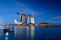 Singapore - blue hour / sunset (Jazzfrey) Tags: marinabaysands singapore longexposures nikon nikon📷 nikond810 nikonphotography nikonartists nikonlens nikonforever nisi nd gnd thebluehour bluehour filters jazzfrey tpasg havingfun sirui singaporeboleh sunset