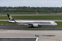 9V-SMF Airbus A350-941 (Disktoaster) Tags: dus düsseldorf airport flugzeug aircraft palnespotting aviation plane spotting spotter airplane pentaxk1