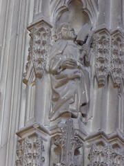 St Matthias? (Aidan McRae Thomson) Tags: worcester cathedral worcestershire medieval carving statue sculpture