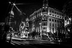 Shanghai (Yunyu.Lu) Tags: shanghai china 上海 中國 blackandwhite noiretblanc nb bw blackandwhitephotography bwphotography chinesephotographer street streetphotography monochrome nuit night dark thebund