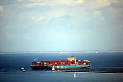DSC_1415-61 (jjldickinson) Tags: nikond3300 106d3300 sanpedro losangeles sky cloud lookoutpointpark ocean water shippingcontainer container ship containership portoflosangeles harbor nikon55200mmf456gedifafsdxvrnikkor promaster52mmdigitalhdprotectionfilter