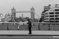 Roll a cigarette (128/365, May 8th) (Yannis_K) Tags: project365 streetphotography blackandwhite monochrome london towerbridge londonbridge yannisk nikond7100 nikon85mmf18g 85mmf18g