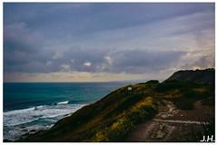 """Coté basque - Entre ciel et terre - """"Beetwen sky and earth""""  - Saint-jean-de-luz (Pyrennées-atlantiques-64) (JHP Photographies) Tags: france sudouest meteo meteoaleacarte nuages clouds francesudouest paysbasque saintjeandeluz paysage plage beach horizon corniche routedelacorniche urrugne"""