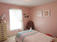 9 Guest Bedroom