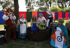 The Agressa Family of Grape Stompers (beppesabatini) Tags: carnevalefantastico2017 carnevalefantastico bluerockspringspark vallejo california renaissancefairs italianrenaissance avalonthemedevents historicalrecreation wwwcarnevalefantasticocom