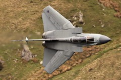 NO TANKS !! (Dafydd RJ Phillips) Tags: marham raf swept mach loop panavia tornado gr4
