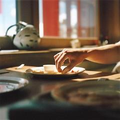 Pommes (Turikan) Tags: yashica mat124g kodak portra 160 schweiz davos graubünden