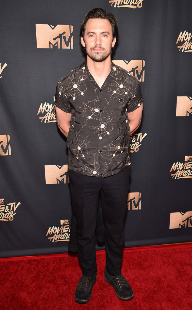 Thảm đỏ MTV Movie & TV Awards: Cara khoe đầu trọc, các sao tạo dáng khó khăn vì mưa đá - Ảnh 18.