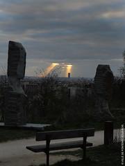 Paris sous les projecteurs (Fontenay-sous-Bois Officiel FRANCE) Tags: fontenay fontenaysousbois regionparisienne valdemarne iledefrance 94 94120 fsb france paris montparnasse outside extérieur light lumiere monfleur denismonfleur tower tour sun soleil nuages cloud sculpture banc bench nikon nikond3s