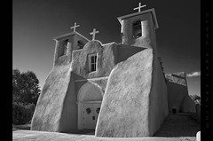 Mision de St Francis de Asis (Whitney Lake) Tags: mono monochromatic blackwhite bw colonial spanish historic adobe newmexico taos mision cathedral catedral iglesia church mission ranchosdetaos stfrancisdeasis explored 26