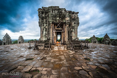 Phnom Bakheng - Angkor - Cambodia (PhotoGSuS) Tags: angkor angkorwat buddhisttemple cambodia camboya phnombakheng unescoworldheritagesite jungle shiva suresteasiatico temple templemountain ប្រាសាទភ្នំបាខែង krongsiemreap siemreapprovince kh