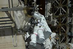 Peggy doing some free-climbing (Thomas Pesquet) Tags: spacewalk eva jackfischer peggywhitson iss internationalspacestation