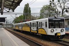 KD EN57-1703 , Wrocław Główny train station 08.05.2017 (szogun000) Tags: wrocław poland polska railroad railway rail pkp station wrocławgłówny ezt emu set electric en57 en571703 kd kolejedolnośląskie train pociąg поезд treno tren trem passenger commuter osobowy d29132 d29271 d29273 d29276 d29285 d29763 e30 e59 dolnośląskie dolnyśląsk lowersilesia canon canoneos550d canonefs18135mmf3556is