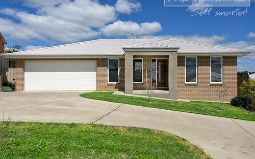 3/2-3 Larra Place, Bourkelands NSW 2650