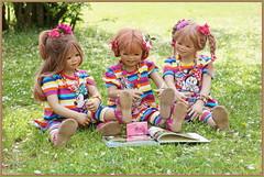 Kleine Reporterinnen im Park ... (Kindergartenkinder) Tags: grugapark essen kindergartenkinder blüte garten blume park frühling annette himstedt dolls tivi milina kind personen azalee margie annemoni