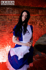 IMG_2422.jpg (Neil Keogh Photography) Tags: fantasy books aliceinotherlands alicemadnessreturns films disney boots lace fiction blue gardens necklace alice nwcosplayjunemeet2016 skirt arch bridge dress tights lewiscarroll tv stones red female green girl americanmcgeesalice aliceinwonderland cosplay alicethroughthelookingglass apron waltdisney black animation cosplayer colourgels cartoon white