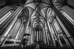 St. Lamberti (Blende1.8) Tags: nrw kirche church stlamberti stadtkirche interior säulen fenster architecture architektur wideangle voigtländer voigtlaender ultrawideheliar 12mm emount sony a7ii a7m2 ilce7m2 alpha münster muenster carstenheyer