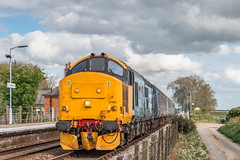 37403 / 37423 - Buckenham - 2J83 (Class313) Tags: aga greater anglia direct rail services drs class 37 37423 37403 2j83 short set