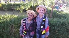 1505 (adriana.comelli) Tags: festa junina coletinhos gravatas vestidos trajes menino menina cabelo junino bandeirinhas fogueira roupas adulto jardineira cachecol