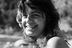 (Flavio Calcagnini) Tags: ragazza girl donna ritratto portrait black white bianco nero sorriso beautiful beauty flavio calcagnini photography