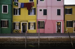 Burano, Veneto, Italy, 2017 (Photox0906) Tags: europe italie venise venezia venice venedig italia italy europa colors colored pink yellow orange green quay dock quai water canal houses windows doors clothes bicycle