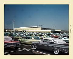 Mall (gpholtz) Tags: diorama miniatures 118 diecast pontiac bonneville 1959 1962 oldsmobile