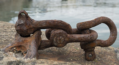 Rusting shackle (FujiPhotoMan) Tags: fujifilm xt2 xf 1655mm f28 rust shackle penzance harbour cornwall uk