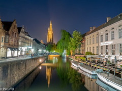 Brugge (Bruges) in Belgium - Canal with Church of Our Lady during the night (patuffel) Tags: liebfrauenkirche church our lady canal brugge bruges bruegge belgium night lights reflection flandern vlaanderen brügge belgien kirche dijver