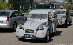 A very fast Citroën 2CV (XBXG) Tags: 11bp08 citroën 2cv azu 250 citroën2cv 2pk deuche deudeuche eend geit 2cv6 besteleend bestel van utilitaire wagen bestelwagen bestelbus fourgonnette engine swap alfa romeo citromobile 2017 citro mobile vijfhuizen nederland holland netherlands paysbas vintage old classic french car auto automobile voiture ancienne française vehicle outdoor modified