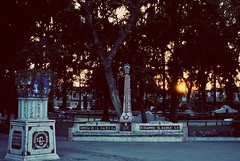 Llegando la noche. (spawn5555) Tags: parque garden urban city ciudad street aguascalientes méxico nikon d3000 antique antiguo calle historia history histoire histórico historic atardecer anochecer